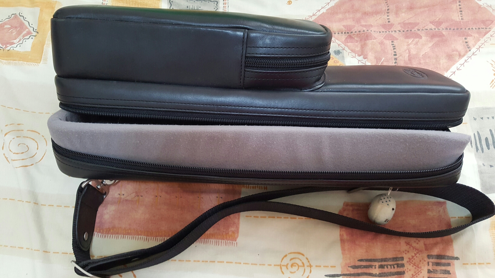 Reunion blues leather flute and piccolo bag image
