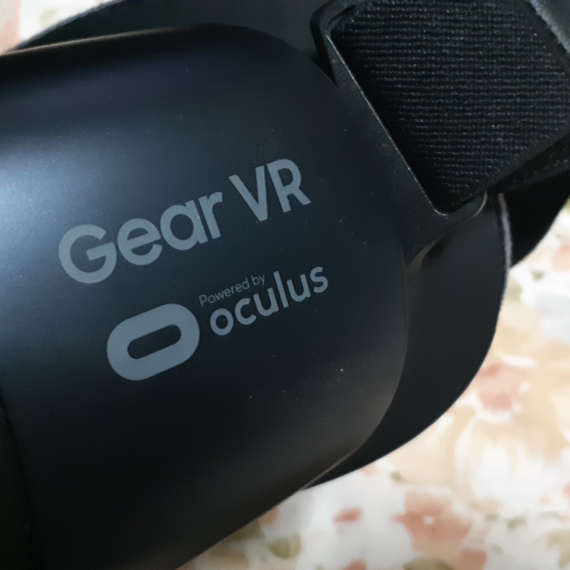 Gear VR. Powered by oculus image