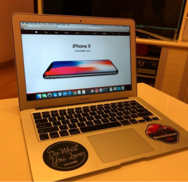 MacBook Air i5 128GB  image