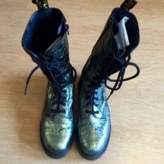 Dr. Martens 1B99 Green Boots UK Size 6 image