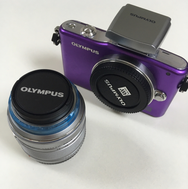 Olympus Pen E-PM1 Kit With 14-42  mm image